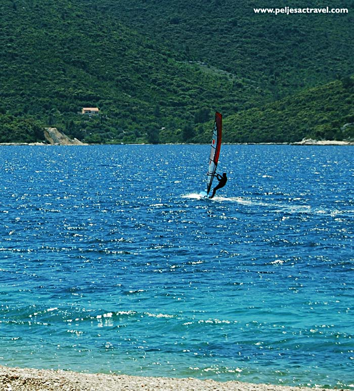 winsurfer in peljesac